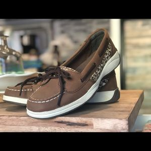 Sperry Top-sider leopard print boat shoes